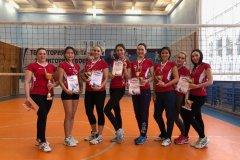 Мирнинские волейболистки лучшие в районе