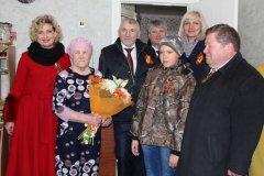 В День Победы в Удачном поздравили труженика тыла