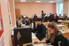 В Мирном проведен тренировочный экзамен по информатике в новой форме