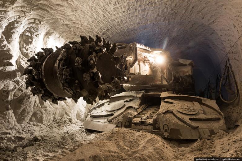 Как добывают алмазы. Компания «АЛРОСА». Мирнинский и Нюрбинский ГОК фото 2